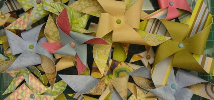 Скрапбукинг. Как сделать декоративную ветряную мельницу из бумаги своими руками.